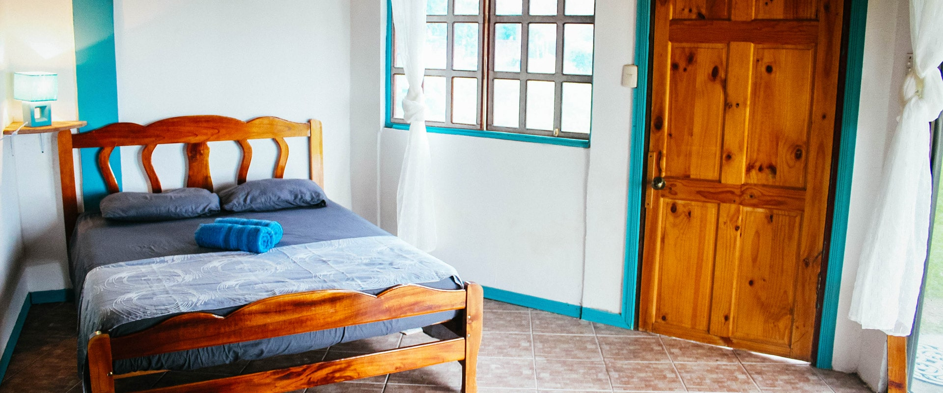 surf-expedition-costa-rica-surf-camp-bedroom