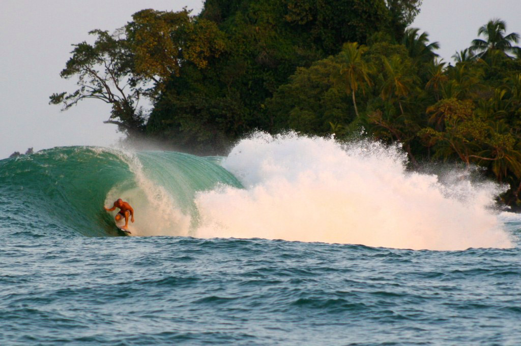 kelly slater in bocas del toro