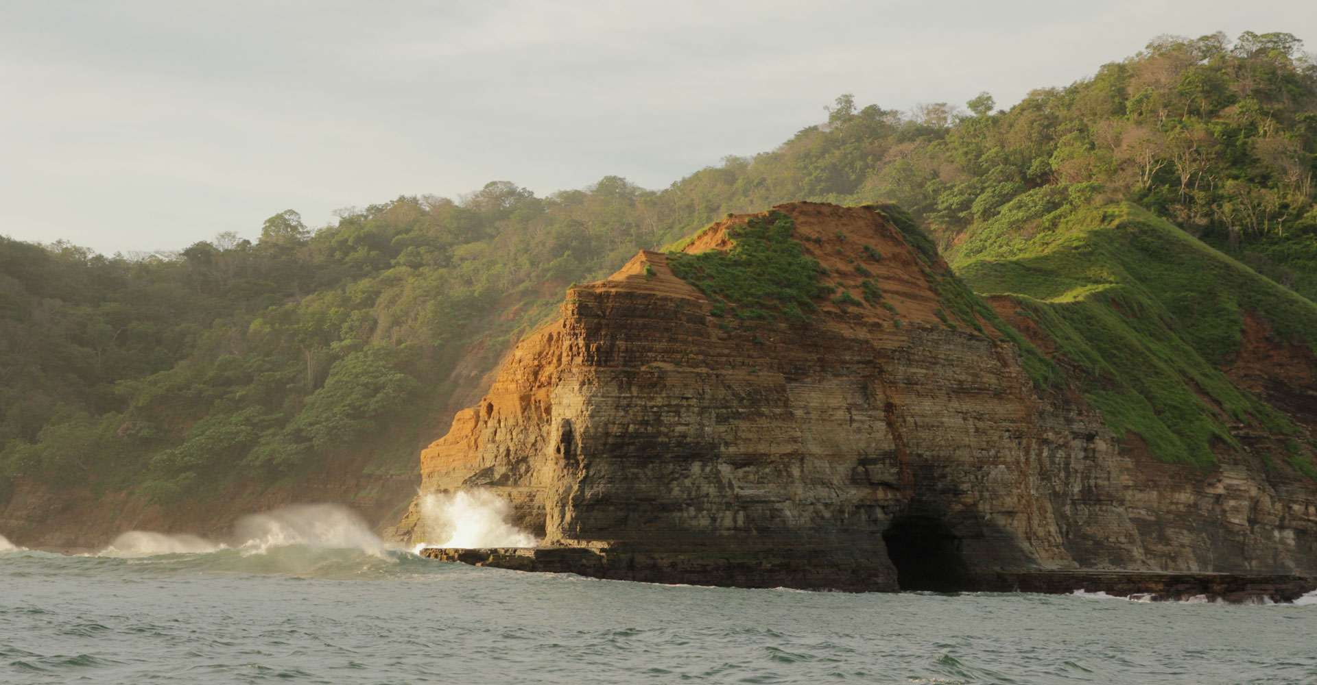 exploration-secret-waves-cave-swimming-nicaragua