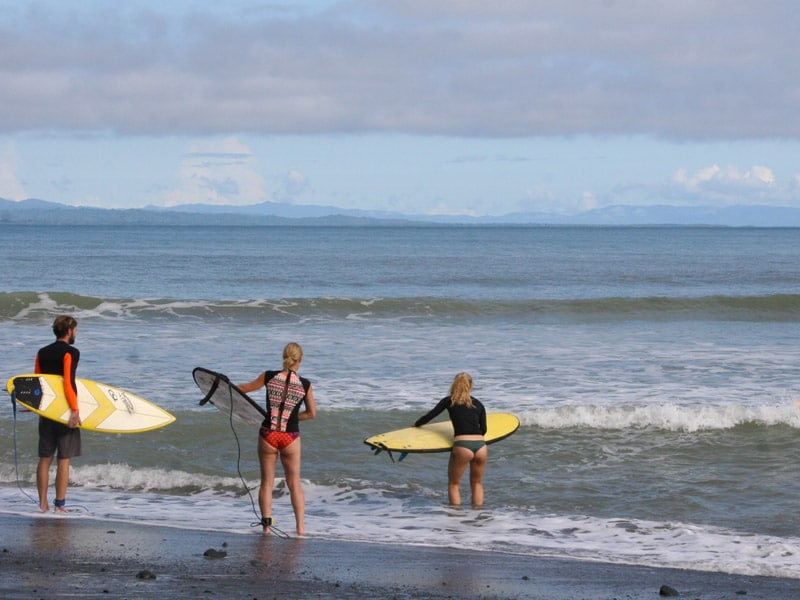 learn to surf costa rica surf camp