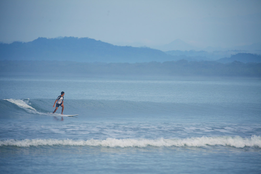 best-month-beginner-surf-costa-rica